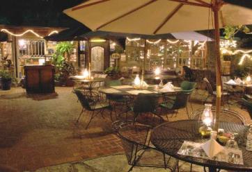 Grey+Moss+Inn+Outdoor+Dining